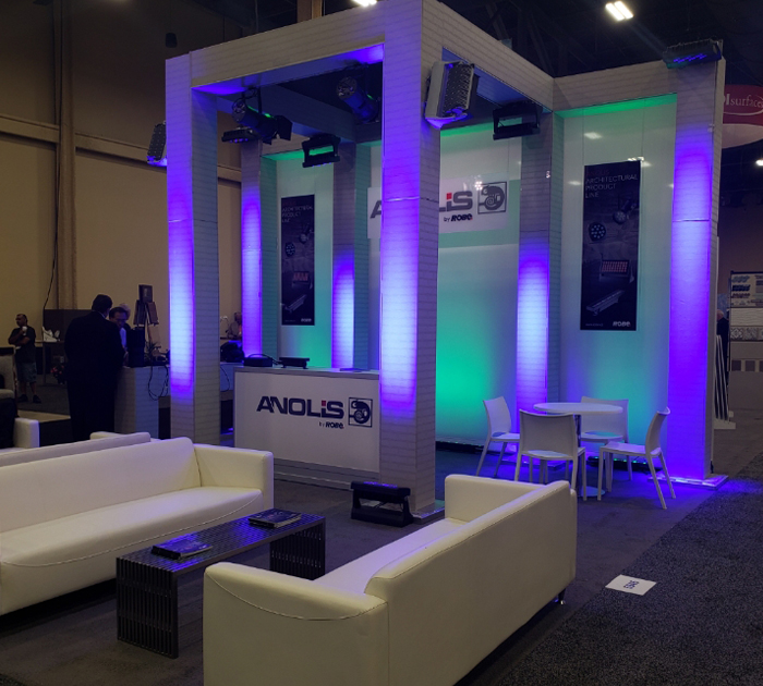 Anolis Stand 2